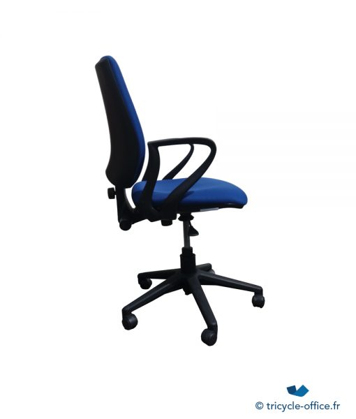 Fauteuil bleu_Tricycle Office_