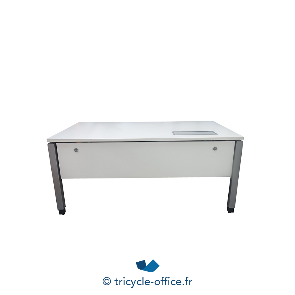 bureau steelcase blanc occasion tricycle office. Black Bedroom Furniture Sets. Home Design Ideas