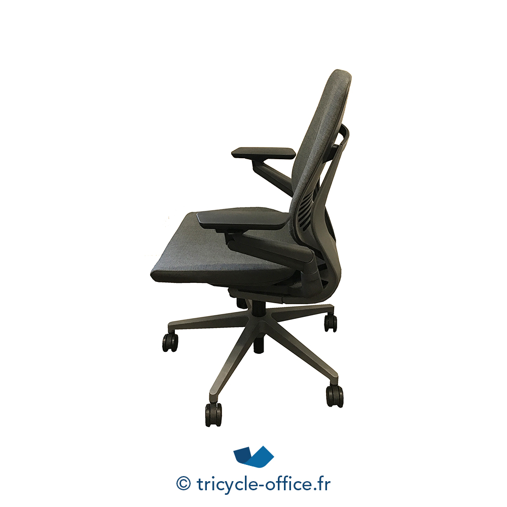 fauteuil de bureau gesture steelcase occasion tricycle office. Black Bedroom Furniture Sets. Home Design Ideas