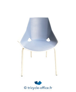 Assises Chaise Empilable Blanche Et Bleue Occasion